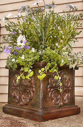 Idee: Planten bakken een metallic verflaagje geven!